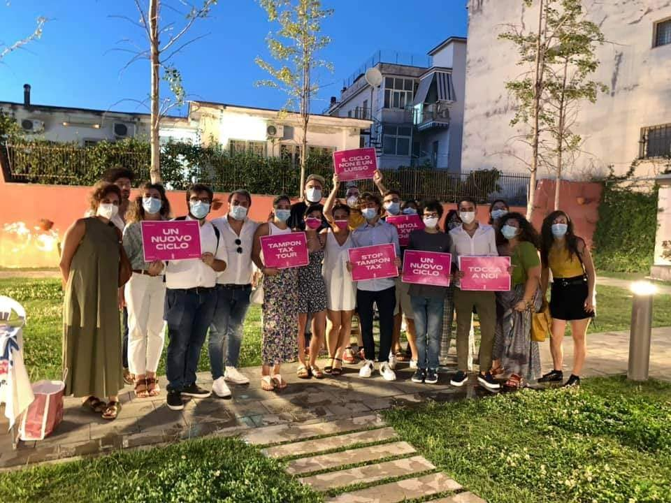 Tampon Tax Tour a Pomigliano d'Arco